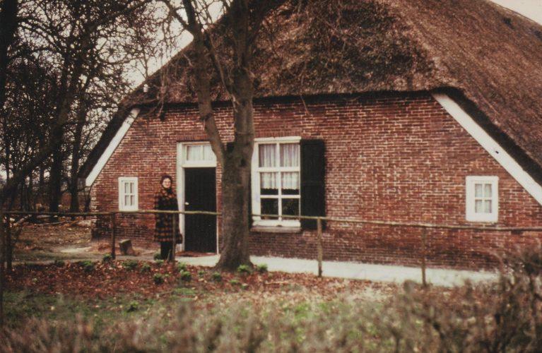 1973 Aaltje Jaspers-Breukelman op bezoek bij de Borgers Witharenweg 24