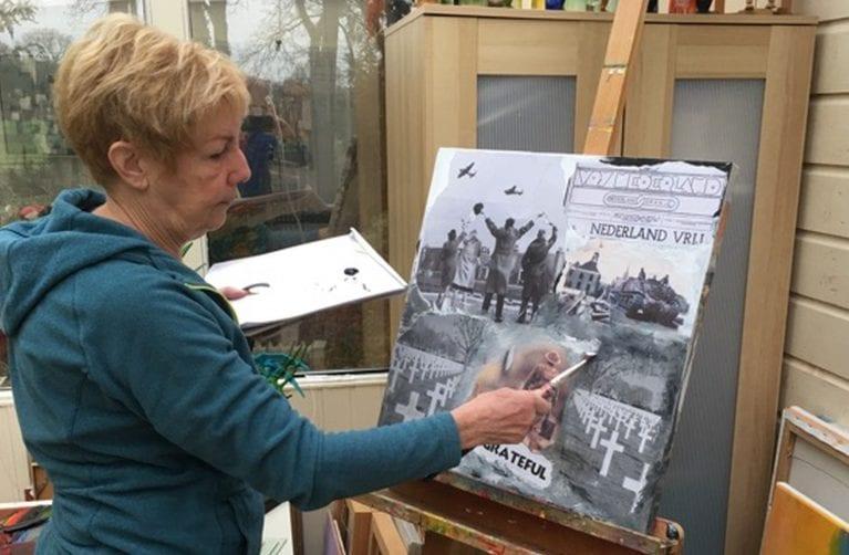 """Tineke Langbroek gastexposant """"75 jaar Vrijheid"""" in Beeldentuin Witharen"""